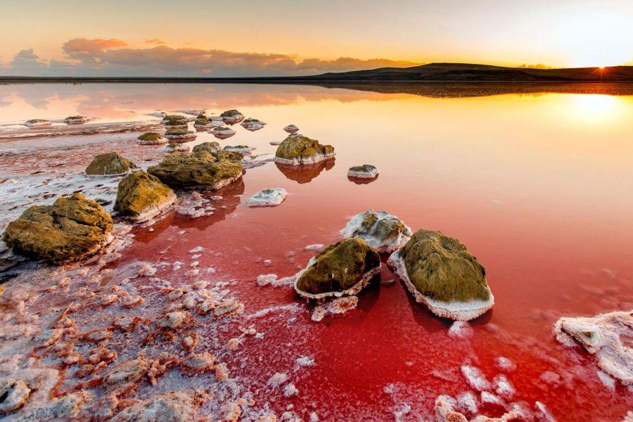 Природа, способная исцелить: самые солёные озёра России