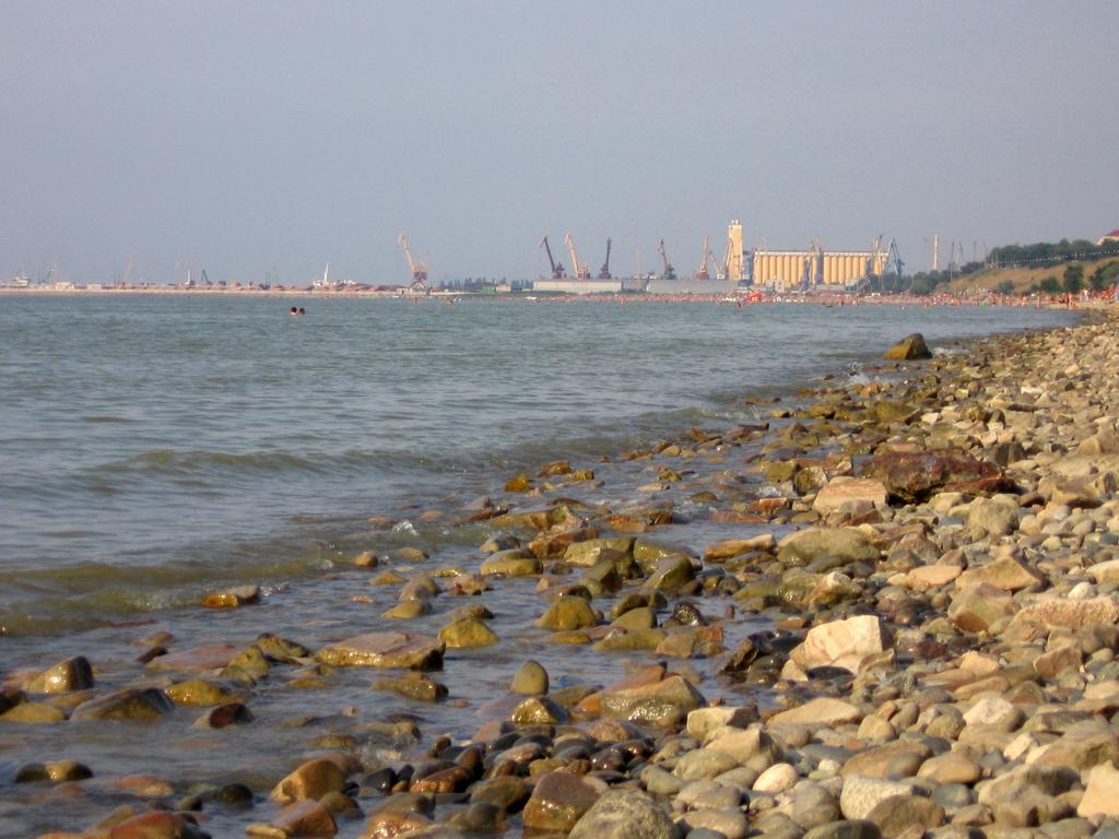 аквапарк таганрогский залив пляжи фото ейск чемпионки уберегли девушку